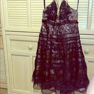 BEBE ROSE AND BLACK TIERED DRESS